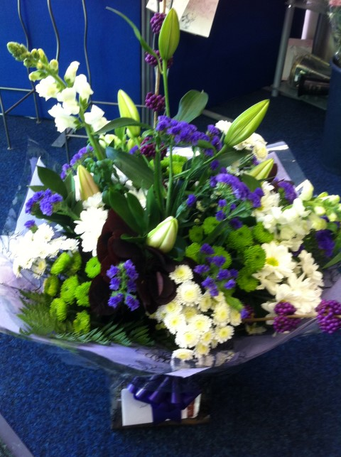 hand tied hydes florist (Small)