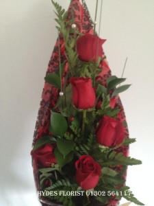 6 red roses on a modern kite design £35