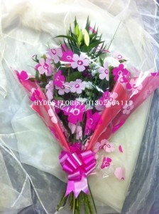 traditional mothers day bouquet £30