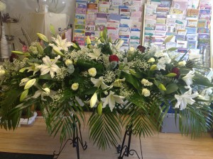white-oriental -lily-coffin-top