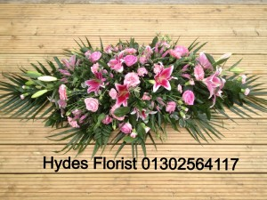 pink-roses-and-lily-coffin-top
