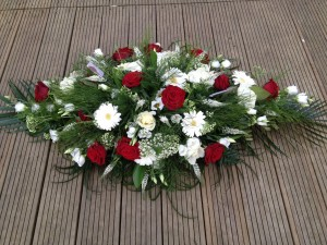 red-rose-and-gerbera-coffin-top