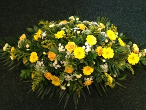 yellow-roses-and-gerbera-coffin-top