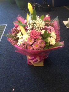 pink aquaboxed bouquet (Medium)