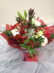 red auqaboxed bouquet (Medium)